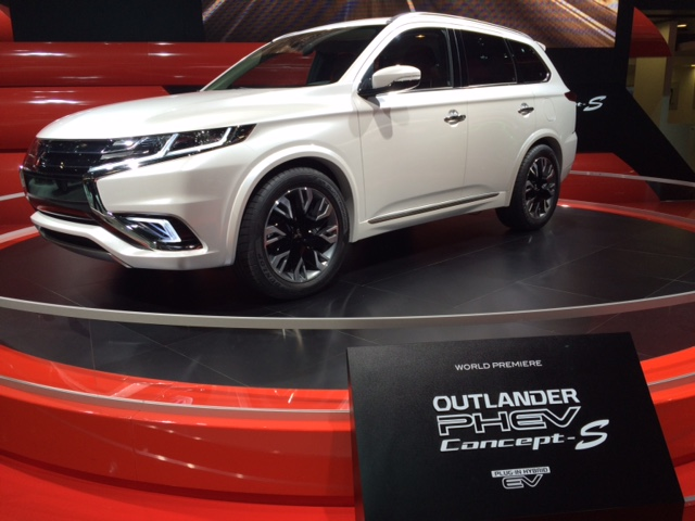Mitsubishi PHEV Concept S au Mondial de l'Auto 2014